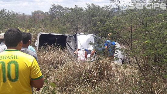 acidente-sandra-apa-rodovia-brito-151016